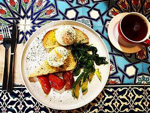 Breakfast and coffee at Hungry Bull, Balmain