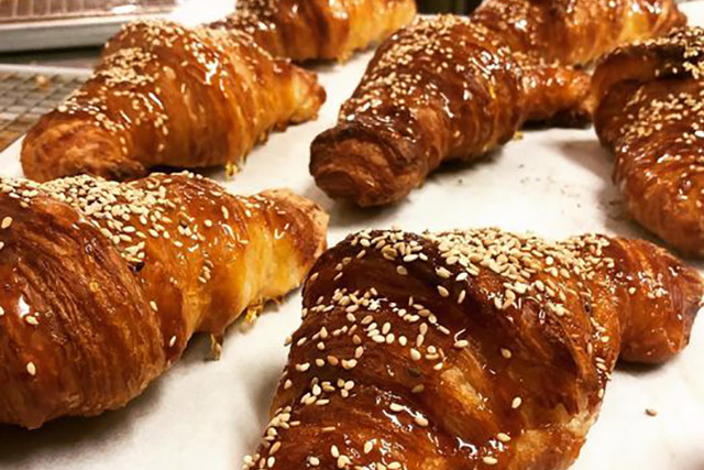Penny Fours toffee apple croissant